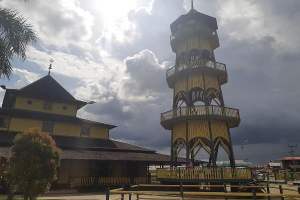 Ilustrasi - Masjid Shirathal Mustaqhiem, Samarinda, Kalimantan Timur. - Bisnis/Gloria F.K. Lawi