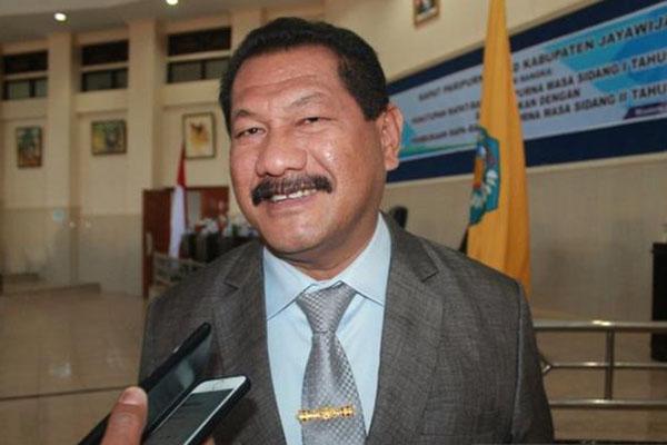 Bupati Jayawijaya Jhon Richard Banua - Antara/Marius Frisson Yewun