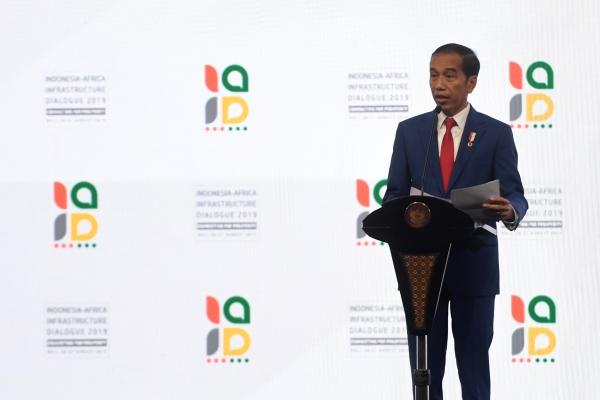 Presiden Joko Widodo menyebut pertumbuhan ekonomi Indonesia perlu disyukuri saat negara lain mengalami tren perlambatan. - ANTARA FOTO/Akbar Nugroho Gumay