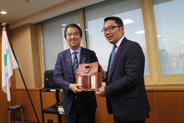 Gubernur Jawa Barat Ridwan Kamil memulai lawatan kerjanya ke Jepang dengan menggelar sejumlah pertemuan dengan berbagai pihak terkait komitmen pembangunan dan rencana investasi di Jawa Barat. - Istimewa