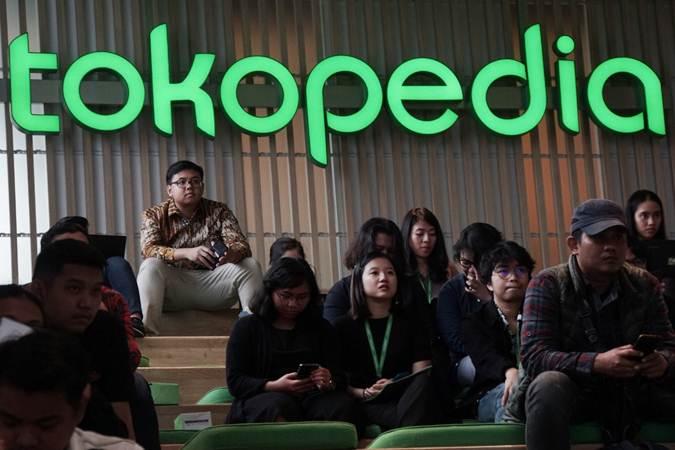 Karyawan beraktivitas di kantor Tokopedia - Bisnis/Himawan L Nugraha