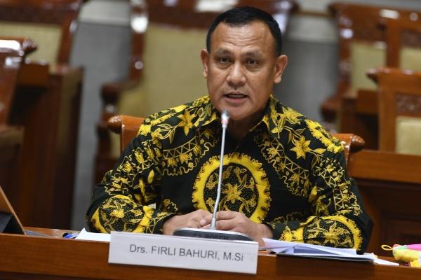 Firli Bahuri saat menjalani uji kepatutan dan kelayakan di ruang rapat Komisi III DPR, Senayan, Jakarta, Kamis (12/9/2019). DPR telah menetapkan Firli sebagai Ketua KPK terpilih - ANTARA FOTO/Nova Wahyudi