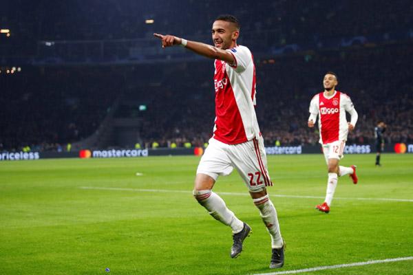 Gelandang serang Ajax Amsterdam Hakim Ziyech - Reuters/Wolfgang Rattay