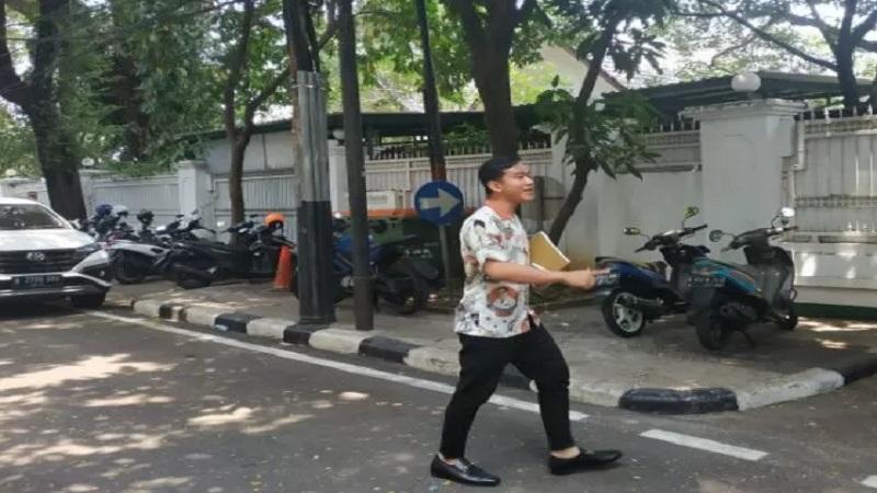 Putra sulung Presiden Joko Widodo, Gibran Rakabuming Raka sambangi kediaman Ketua Umum PDIP Megawati Soekarnoputri, di Jakarta, Kamis, (24/10/2019). - Antara