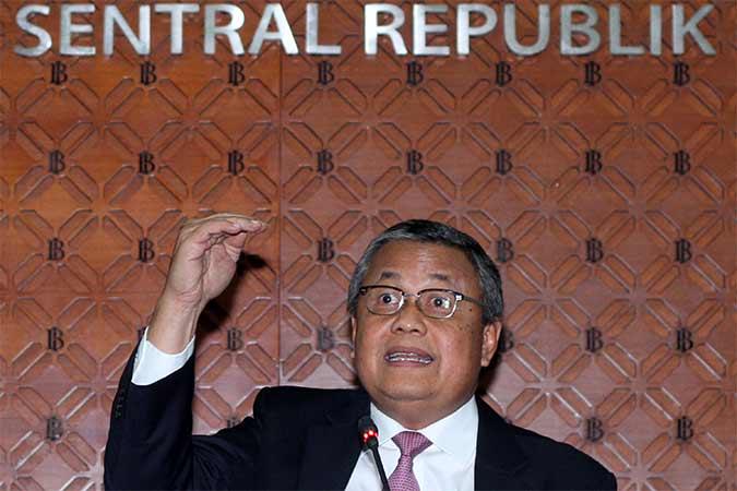 Gubernur Bank Indonesia Perry Warjiyo  memberikan penjelasan saat acara jumpa pers hasil Rapat Dewan Gubernur (RDG) Bank Indonesia di Jakarta