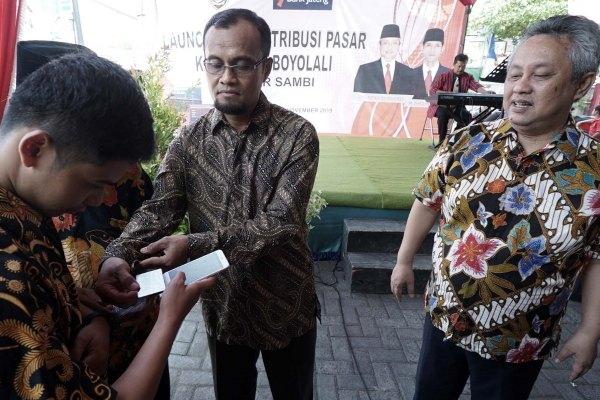 Peluncuran kartu e-retribusi di halaman Pasar Sambi, Kecamatan Sambi, Senin (11/11/2019). - Istimewa