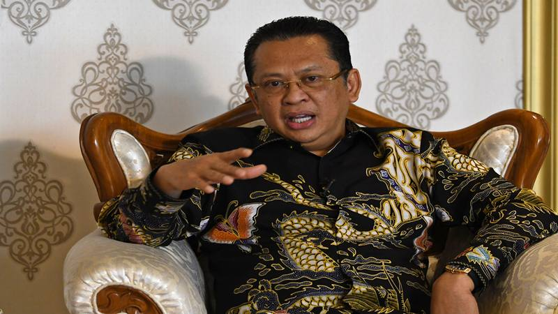 Ketua Majelis Permusyawaratan Rakyat (MPR) Bambang Soesatyo berbicara dalam wawancara khusus untuk Kantor Berita Antara di kompleks Parlemen, Jakarta, Selasa (29/10/2019).  - Antara