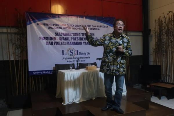 Pendiri Lembaga Survei Indonesia (LSI), Denny JA. - Antara