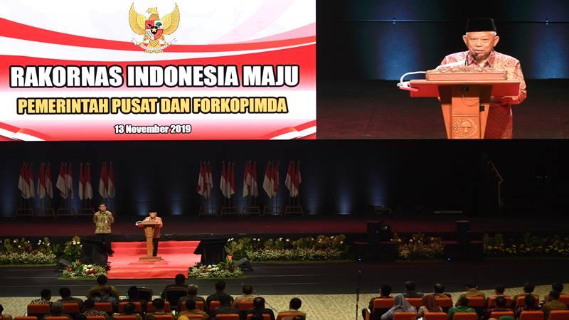 Wakil Presiden Ma'ruf Amin menyampaikan pidato sekaligus menutup Rakornas Indonesia Maju antara Pemerintah Pusat dan Forum Koordinasi Pimpinan Daerah (Forkopimda) di Bogor, Jawa Barat, Rabu (13/11/2019). - Antara