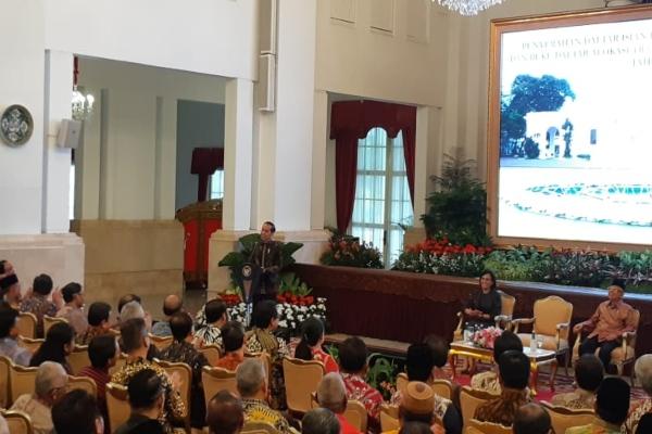 Presiden Joko Widodo memberikan sambutan dalam Penyerahan Daftar Isian Pelaksanaan Anggaran (DIPA) dan Buku Daftar Alokasi Transfer ke Daerah dan Dana Desa Tahun 2020 di Istana Merdeka, Kamis (14/11/2019). - Bisnis/Amanda K. Wardhani