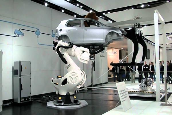 Ilustrasi-Robot di pabrik Volkswagen - thesource.com