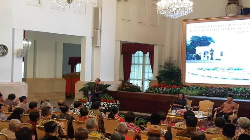 Presiden Joko Widodo memberikan sambutan dalam Penyerahan Daftar Isian Pelaksanaan Anggaran (DIPA) dan Buku Daftar Alokasi Transfer ke Daerah dan Dana Desa Tahun 2020 di Istana Merdeka, Kamis (14/11/2019). JIBI/Bisnis - Amanda Kusumawardhani