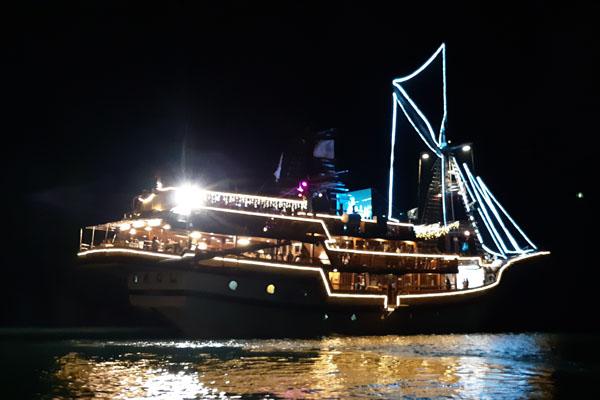 Kapal Sea Safari Cruise di Pelabuhan Benoa, Bali. - Bisnis.com/Feri Kristianto