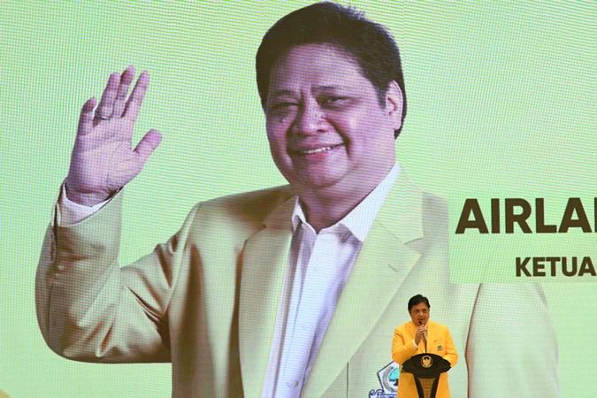 Ketua Umum DPP Partai Golkar Airlangga Hartarto saat memberikan sambutan saat peringatan HUT ke-55 Partai Golkar di Jakarta, Rabu (6/11/2019). - Antara/Risyal Hidayat