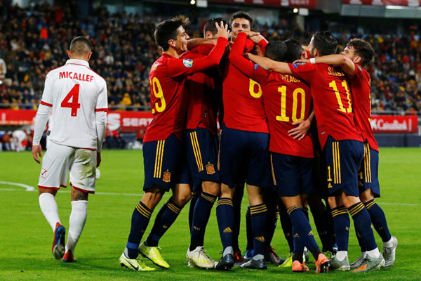 Spanyol Pesta 7 Gol, Swedia & Finlandia Lolos ke Euro 2020 ...