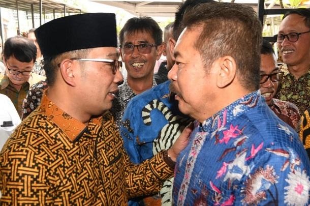 Ridwan Kamil dan Jaksa Agung ST Burhanuddin - Bisnis/Wisnu Wage