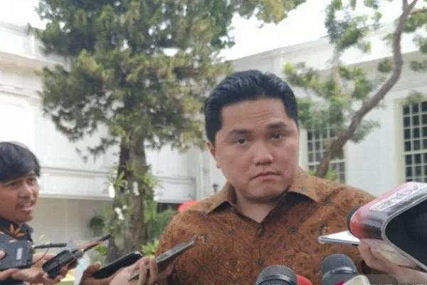 Menteri BUMN Erick Thohir di halaman Istana Negara, Jakarta, Kamis (24/10/2019). - Antara