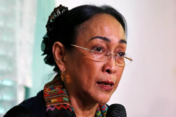 Sukmawati Soekarnoputri memberikan keterangan pers terkait polemik puisi