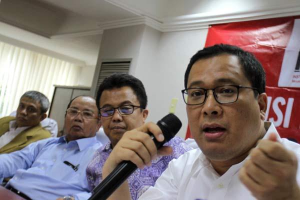 Arif Budimanta (kanan) dalam satu sesi diskusi - Bisnis.com