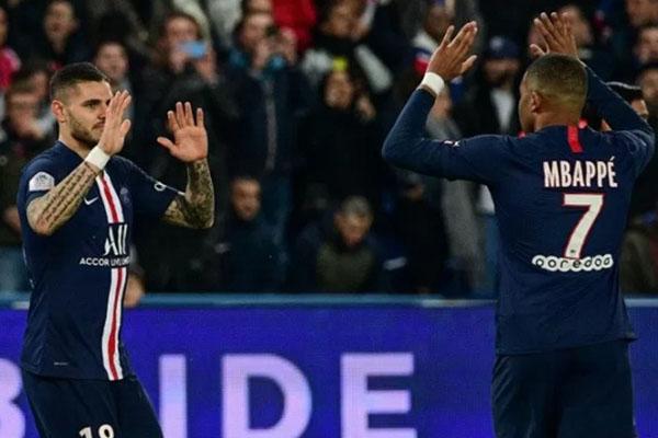 Dua andalan lini depan Paris Saint-Germain, Mauro Icardi (kiri) dan Kylian Mbappe. - Antara-AFP