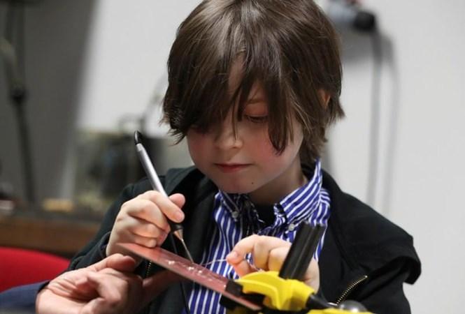 Laurent Simons, anak lelaki berumur 9 tahun kelahiran Belgia yang akan jadi sarjana termuda sejagad. - Reuters