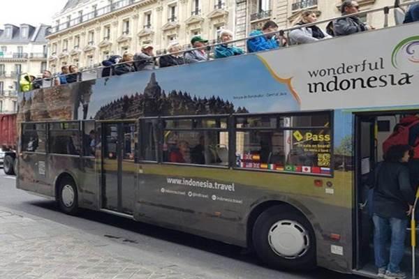 Bus turis mempromosikan Wonderful Indonesia - Antara