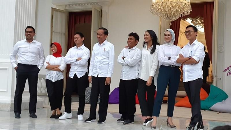 Presiden Joko Widodo saat memperkenalkan tujuh orang staf khusus dari kalangan milenial. - Bisnis/Amanda Kusumawardhani