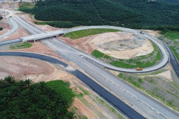 Simpang susun pada proyek jalan tol PekanbaruDumai. - Bisnis/Agung L. Hermawan