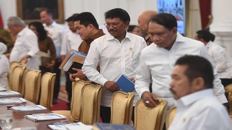 Suasana sidang kabinet paripurna di Istana Merdeka, Jakarta, Kamis (24/10/2019). Sidang kabinet paripurna itu merupakan sidang perdana yang diikuti menteri-menteri Kabinet Indonesia Maju. - Antara
