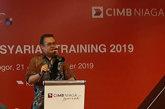 Direktur Syariah Banking Bank CIMB Niaga Pandji P. Djajanegara saat memberikan sambutan pada acara Media Training & Gathering CIMB Niaga Syariah 2019 di Bogor. - Bisnis/ Annisa Sulistyo Rini