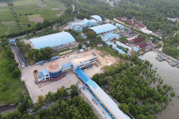 Foto aerial bangunan yang akan menjadi Terminal RoRo Bandar Sri Junjungan, Minggu (24/11/2019). - Bisnis/Foto/foto: Himawan L. Hugraha.