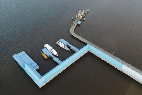 Foto aerial Pelabuhan Bandar Sri Junjungan di Dumai, Riau. - Bisnis/Himawan L. Nugraha