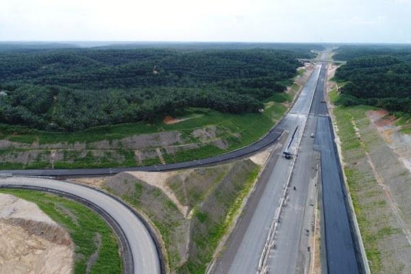 Foto aerial jalan tol Pekanbaru-Dumai (Pekdum). - Bisnis/Himawan L. Nugraha
