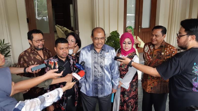Pansus Papua DPD RI bertemu dengan Mahfud MD di Kemenko Polhukam, Senin (25/11/2019). Pertemuan itu membahas tentang isu kekinian yang terjadi di Papua dan Papua Barat. - Bisnis/Rayful Mudassir