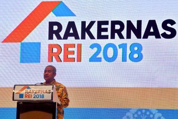 Ketua Umum DPP Persatuan Perusahaan Realestat Indonesia (REI) Soelaeman Soemawinata memberikan kata sambutan pada pembukaan Rapat Kerja Nasional (Rakernas) REI 2018 di Nusa Dua Bali, Rabu (5/12/2018). - JIBI/Nurul Hidayat
