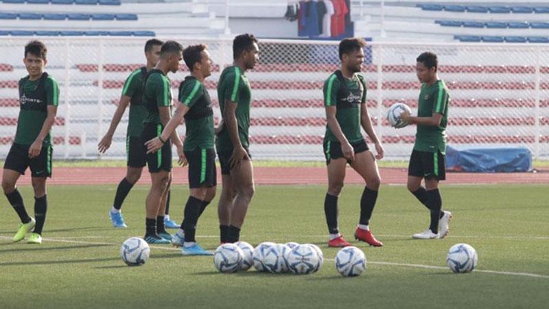 Timnas Indonesia U-23 tengah berlatih. Skuat Garuda harus mewaspadai Vietnam yang menang besar setengah lusin gol atas Brunei. - PSSI.org