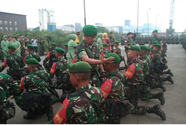 Panglima Kodam I/Bukit Barisan Mayjen TNI MS Fadilah melepas 450 prajurit Yonif 133 Yudha Sakti - Antara