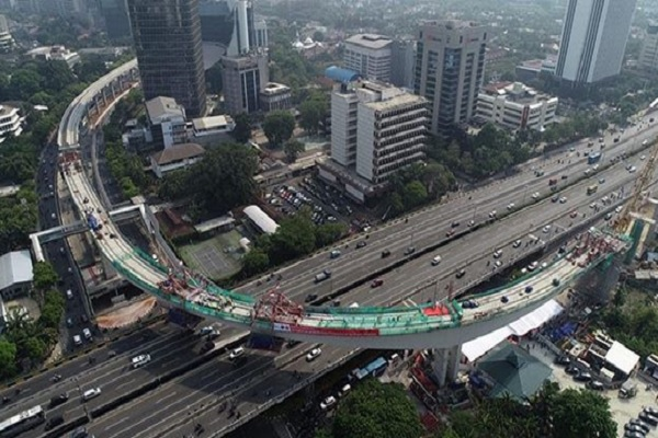 Jembatan lengkung LRT Jabodebek. - Instagram @jokowi
