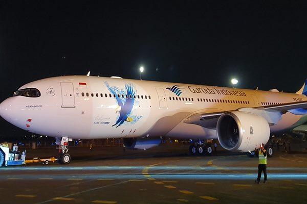 Garuda Indonesia menyambut kehadiran Airbus A330-900neo di Hanggar 2 Garuda Indonesia Maintenance Facility AeroAsia, Rabu (27/11/2019) malam - Bisnis/Rio Sandy Pradana