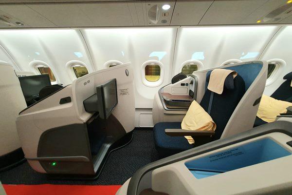Tampilan kabin kelas bisnis pesawat A330-900neo yang dioperasikan Garuda Indonesia - Bisnis/Rio Sandy Pradana