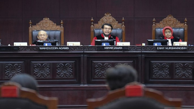 Suasana sidang di Mahkamah Konstitusi. MK menolak uji materi yang diajukan oleh ratusan mahasiswa terkait dengan revisi UU KPK. - Antara