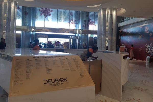 Suasana Delipark Mall di area superblock Podomoro City Deli Medan pada Jumat 29 November 2019. - Bisnis/Asteria Desi Kartika Sari
