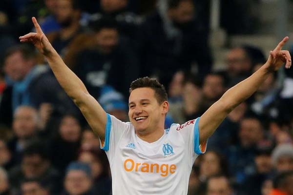 Penyerang sayap Olympique Marseille Florian Thauvin - Reuters/Jean-Paul Pelissier