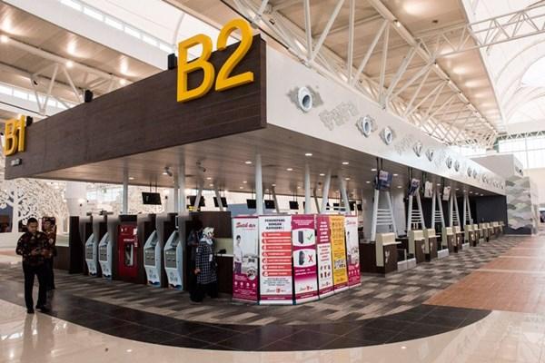 Ilustrasi - Suasana sudut ruang check in pesawat di Bandara Internasional Jawa Barat (BIJB) Kertajati, Majalengka, Jawa Barat, Kamis (24/5/2018). BIJB merupakan bandara kedua terbesar di Indonesia setelah Bandara Internasional Soekarno-Hatta, Cengkareng yang memiliki luas lahan mencapai 1.800 hektar dan akan dioperasikan pada hari Kamis (24/5/2018). - Bisnis/Antara/M. Agung Rajasa