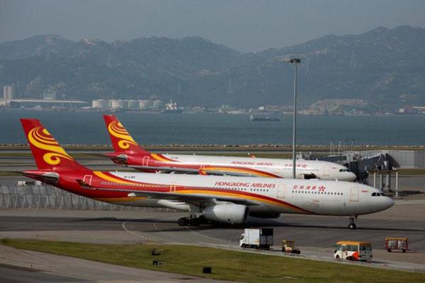 Pesawat Hong Kong Airlines di Hong Kong International Airport. - Reuters/Tyrone Siu