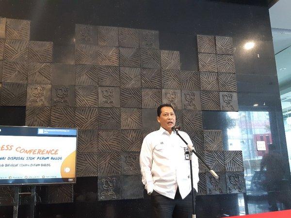 Direktur Utama Perum Bulog Budi Waseso kala menyampaikan pernyataan pers mengenai mekanisme disposal beras dan rencana bisnis perusahaan pada 2020 di kantor pusat Perum Bulog di Jakarta, Selasa (3/12/2019). - Bisnis/Iim Fathimah Timorria