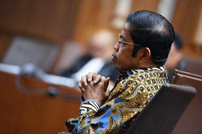 Mantan Sekretaris Jenderal Partai Golkar Idrus Marham saat menjalani sidang di Pengadilan Tipikor pada Maret 2019. - ANTARA/Sigid Kurniawan