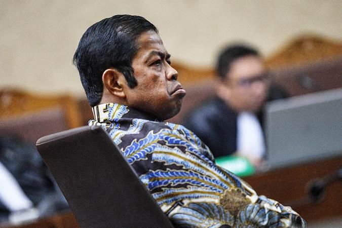 Terdakwa kasus dugaan suap proyek PLTU Riau-1 Idrus Marham menjalani sidang putusan di Pengadilan Tipikor, Jakarta Pusat, Selasa (23/4/2019). - ANTARA/Sigid Kurniawan