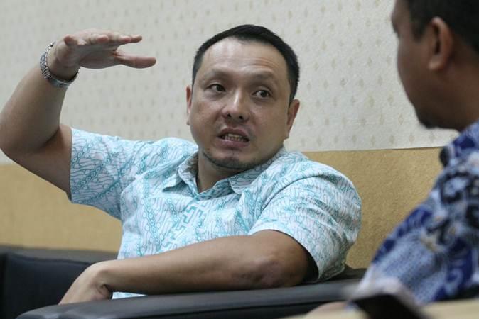 Chief Executive Officer Finmas Peter Lydian Sutiono memberikan penjelasan saat berkunjung ke kantor redaksi Bisnis Indonesia, di Jakarta, Rabu (24/4/2019). - Bisnis/Dedi Gunawan