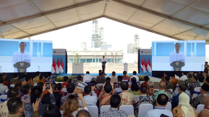 Presiden Joko Widodo memberikan sambutan dalam peresmian pabrik polyethylene milik PT Chandra Asri Petrochemical Tbk. di Cilegon, Jumat (6/12/2019). - Bisnis/Yodie Hardiyan